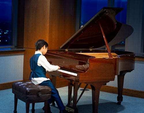 Zibo Wang (age 9) Division I: 3rd place, Six Variations from La Molinara Opera by Beethoven