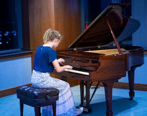 Dora Meiwes (age 13) Division II: 2nd Place, Caprice Espagnol Op. 37 by Moszkowski